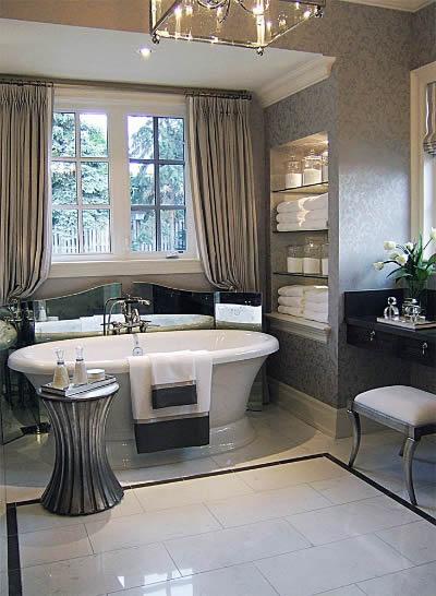 decoracao banheiro acessórios:Banheiro com Decoração Clássica – Móveis e Acessórios