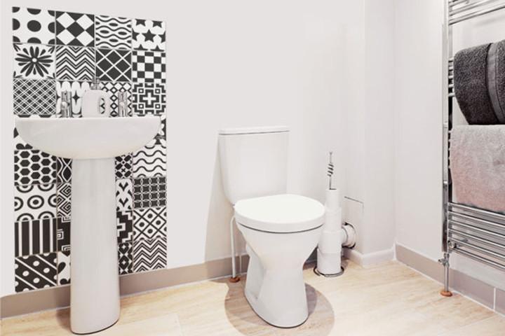 Banheiro Decorado com Azulejo  Pastilhas e Faixas  Decoração -> Banheiro Decorado Azulejo