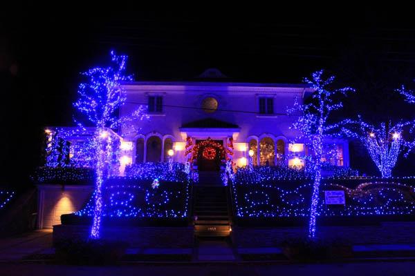 Fotos de casas decoradas com luzes de natal holidays oo - Fotos de casas decoradas ...