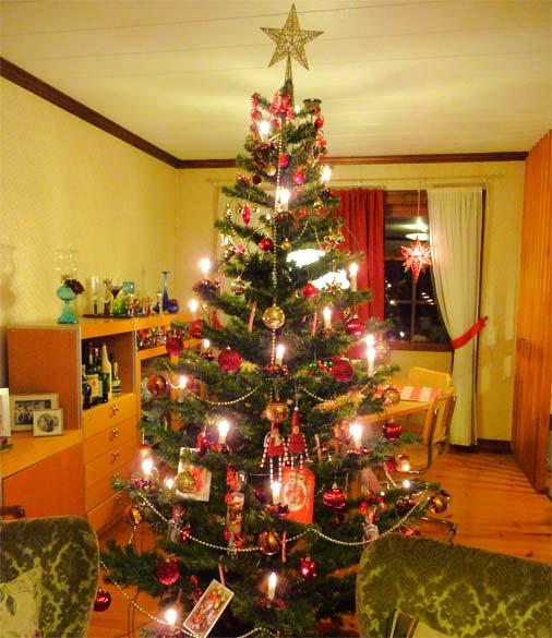 decoracao arvore de natal vermelha:Como Enfeitar a Árvore de Natal – Enfeites e Iluminação
