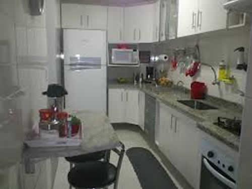 Cozinha Simples e Bonita  Móveis e Planejada  Decoração # Cozinha Planejada Bonita E Barata