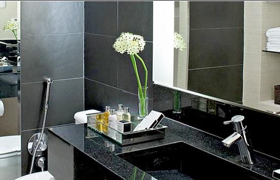 Decoração de Banheiro Preto  Pisos e Pastilhas  Decoração -> Decoracao De Banheiro Com Vaso Preto