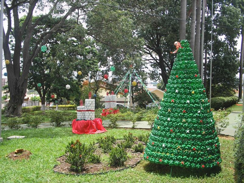Decoração De Natal Para Jardim – Luzes E Enfeites ~ Enfeites De Natal Aramados Para Jardim