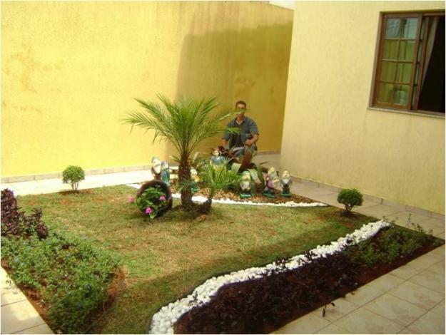 Jardim de Quintal Pequeno  Flores e Paisagem  Decoração