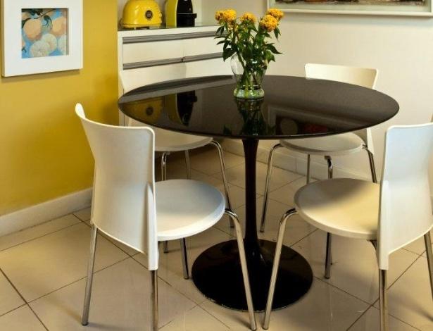 Mesa pequena para cozinha arm rio e ambiente decora o for Mesas para ordenador pequenas