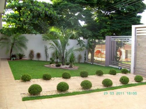 Modelos de jardins residenciais para frente de casas for Casas con jardin pequeno al frente