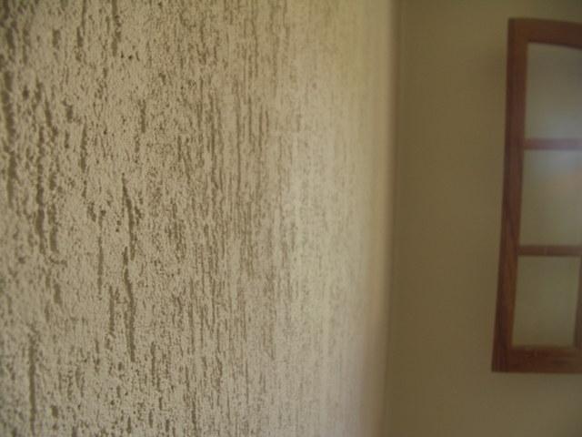 Parede de sala com textura tinta e revestimento decora o - Texturas de paredes ...