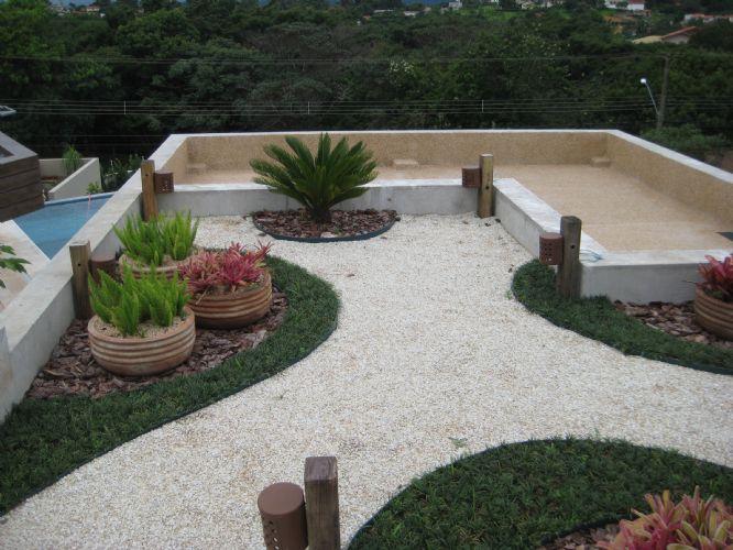 pedras para jardim mercado livre : pedras para jardim mercado livre:Quintal Decorado com Grama e Pedra – Jardim e Casa