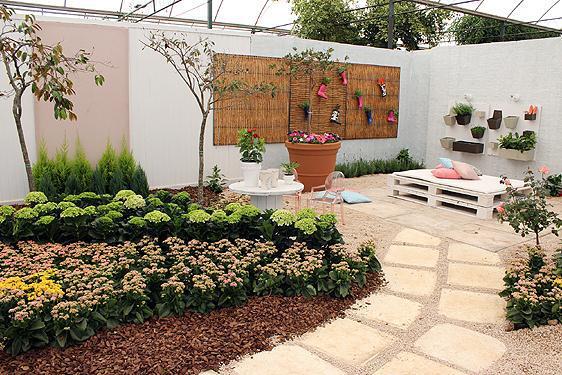 Jardim de Quintal  Casas e Flores  Decoração