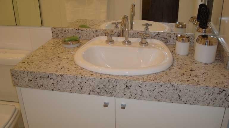 Pedras de Granito para Banheiro  Revestimento e Acabamento  Decoração -> Decoracao Banheiro Granito